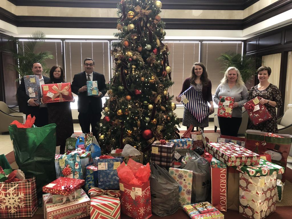 Michael Best Employees Gift Drive