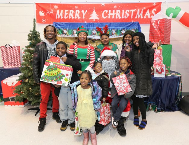 web HACM Christmas Gift Distribution Event Thursday December 19 2019_027